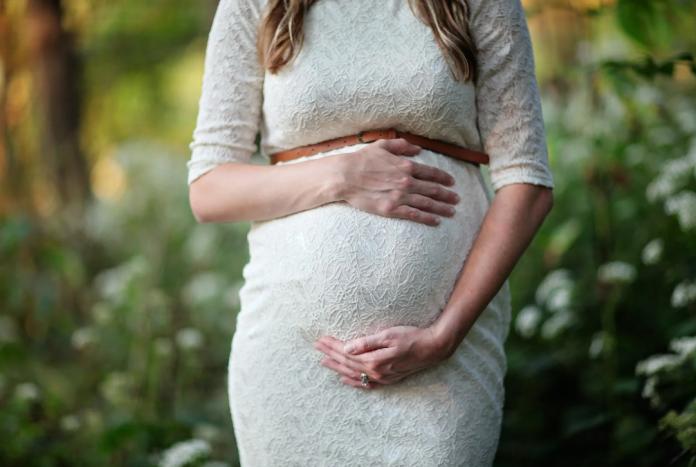 ibu hamil - perempuan tangguh